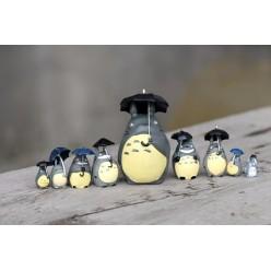 9 Фигурок Тоторо с зонтиками
