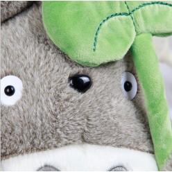 Игрушка Тоторо с листом лотоса